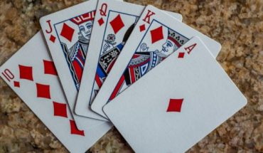 Reasons why Online Poker is Better